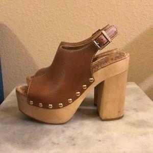 Sam Edelman tan leather platform clogs